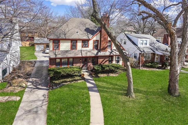 5711 Cherry Street, Kansas City, MO 64110 (#2153128) :: Edie Waters Network