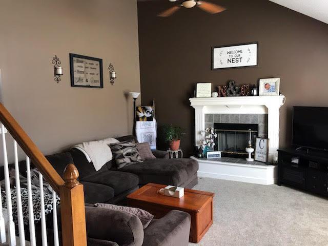 812 NE 116th Terrace, Kansas City, MO 64155 (#2153829) :: Dani Beyer Real Estate