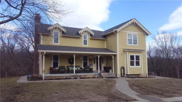 30805 Coldwater Spring Road, Louisburg, KS 66053 (#2153858) :: Edie Waters Network
