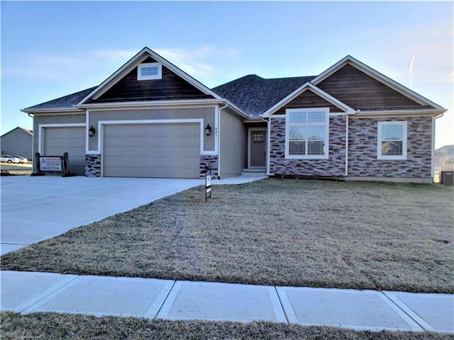 801 Buckeye Lane, Pleasant Hill, MO 64080 (#2154409) :: House of Couse Group