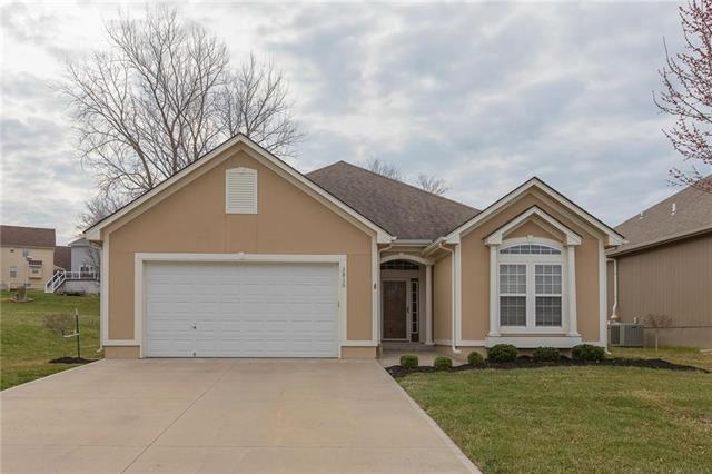 3816 NW Chapman Drive, Blue Springs, MO 64015 (#2154562) :: House of Couse Group