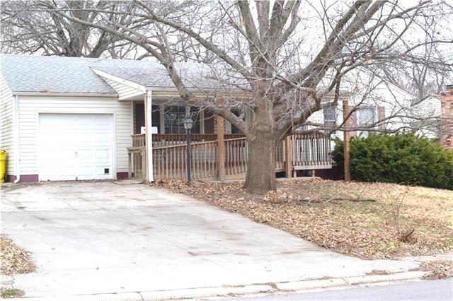 3601 N Pleasant Street, Independence, MO 64050 (#2154565) :: Edie Waters Network