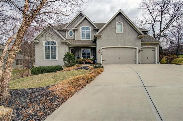26179 W 108th Terrace, Olathe, KS 66061 (#2154669) :: Edie Waters Network