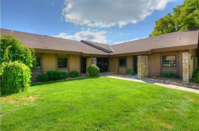 514 S Noland Road, Independence, MO 64050 (#2154679) :: Eric Craig Real Estate Team