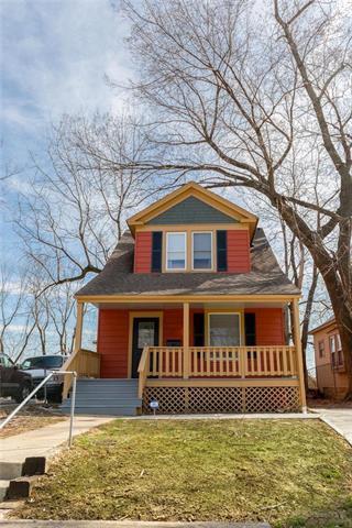 4113 Tracy Avenue, Kansas City, MO 64110 (#2154768) :: Dani Beyer Real Estate