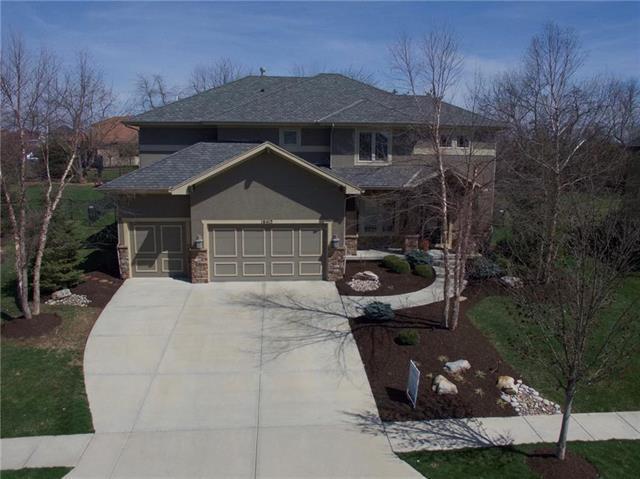 16413 Barton Street, Overland Park, KS 66221 (#2155231) :: Eric Craig Real Estate Team