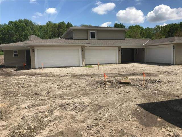 400 N Clayview - 404 Drive, Liberty, MO 64068 (#2155582) :: Clemons Home Team/ReMax Innovations