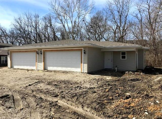 406 N Clayview - 408 Drive, Liberty, MO 64068 (#2155620) :: Clemons Home Team/ReMax Innovations