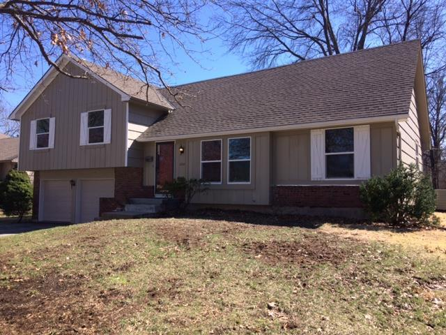 8201 W 97th Street, Overland Park, KS 66212 (#2155735) :: House of Couse Group