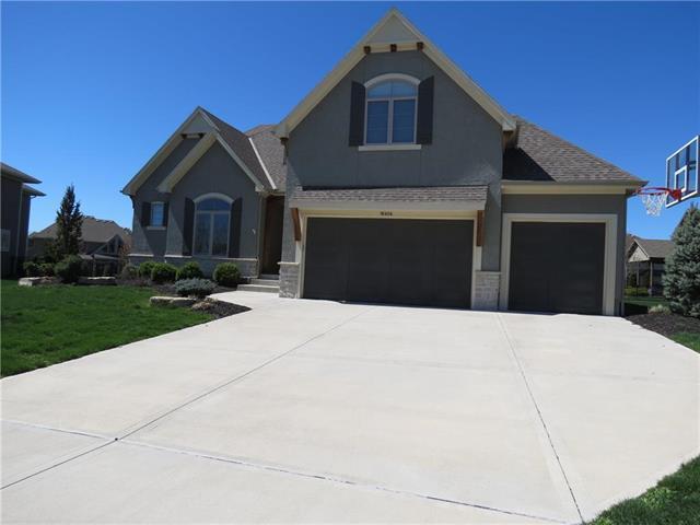 16404 Oakmont Street, Overland Park, KS 66062 (#2155850) :: House of Couse Group