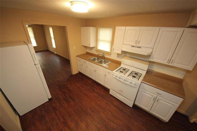 1033 Hasbrook Avenue, Kansas City, KS 66105 (#2155952) :: Clemons Home Team/ReMax Innovations