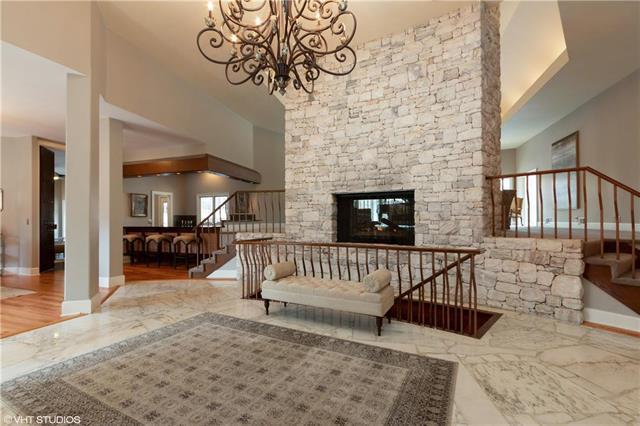 8700 Alhambra Street, Prairie Village, KS 66207 (#2156004) :: The Shannon Lyon Group - ReeceNichols