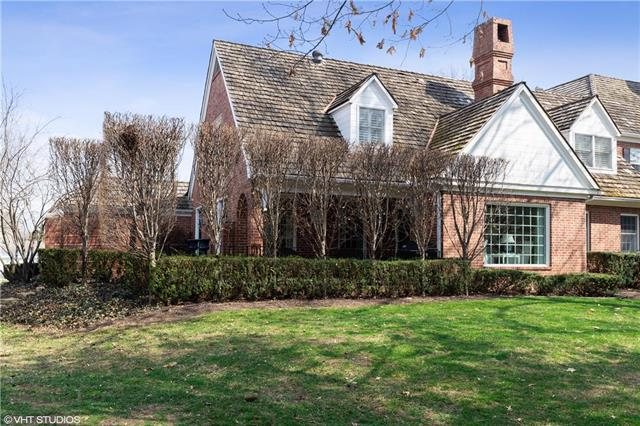 30 Compton Court, Prairie Village, KS 66208 (#2156109) :: House of Couse Group