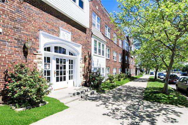 1310 Admiral Boulevard, Kansas City, MO 64106 (#2156518) :: No Borders Real Estate