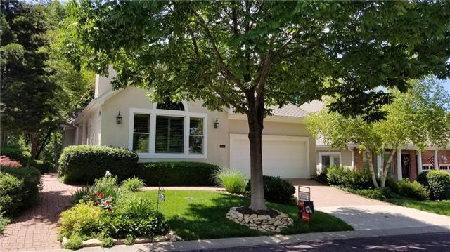 12452 Westgate Street, Overland Park, KS 66213 (#2156789) :: Eric Craig Real Estate Team
