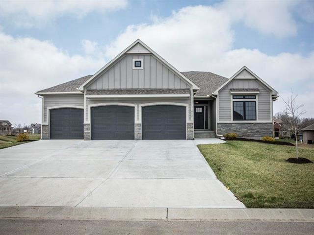 1622 SW Blackstone Place, Lee's Summit, MO 64082 (#2157271) :: House of Couse Group