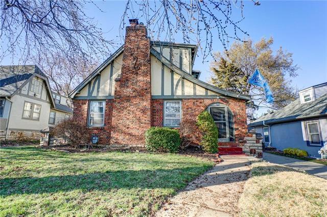 28 E Dartmouth Road, Kansas City, MO 64113 (#2157367) :: Eric Craig Real Estate Team