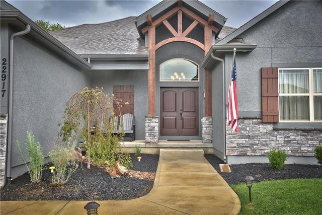 22917 E 42nd Street Court S N/A, Blue Springs, MO 64015 (#2157538) :: House of Couse Group