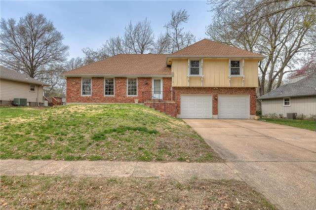 6752 N Garfield Avenue, Gladstone, MO 64118 (#2157748) :: House of Couse Group