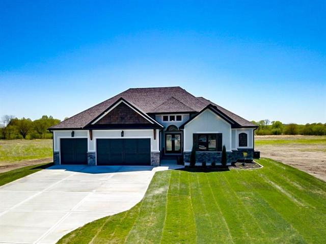 30409 Woodland Drive, Pleasant Hill, MO 64080 (#2157959) :: The Shannon Lyon Group - ReeceNichols