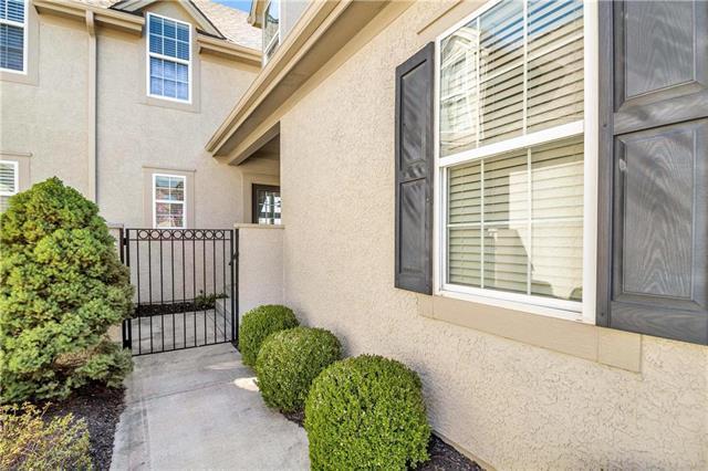 2219 NE 107th Terrace, Kansas City, MO 64155 (#2158027) :: Eric Craig Real Estate Team
