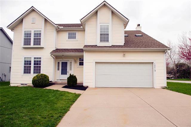12213 Craig Street, Overland Park, KS 66213 (#2158074) :: No Borders Real Estate