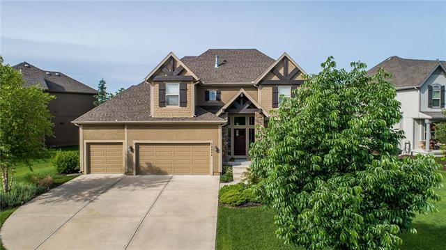 10804 S Carbondale Street, Olathe, KS 66061 (#2158375) :: House of Couse Group