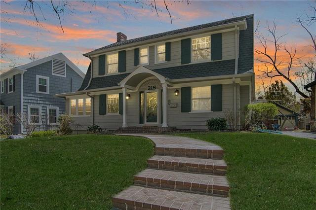 215 W 68th Terrace, Kansas City, MO 64113 (#2158420) :: Eric Craig Real Estate Team
