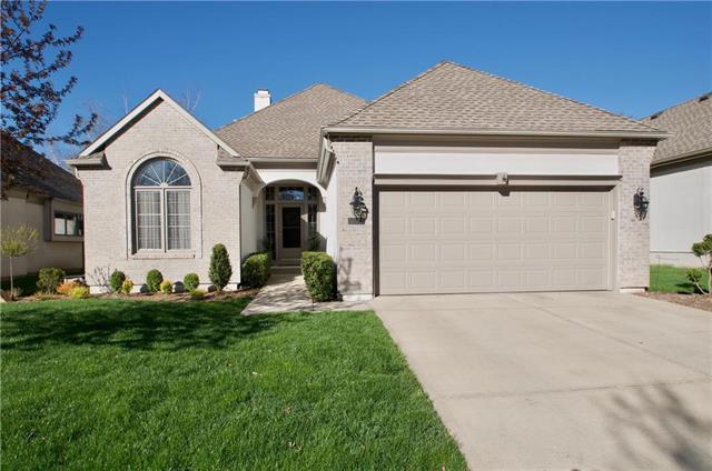 12222 Ash Street, Overland Park, KS 66209 (#2158756) :: Kansas City Homes