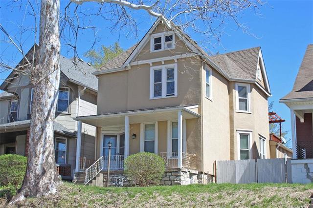 327 Maple Boulevard, Kansas City, MO 64124 (#2158765) :: Team Real Estate