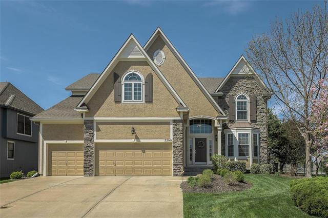5500 Roundtree Street, Shawnee, KS 66226 (#2158832) :: House of Couse Group