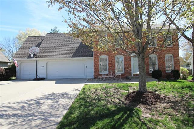 1076 NW High Point Drive, Lee's Summit, MO 64081 (#2158971) :: House of Couse Group