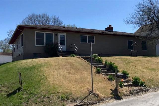 902 George Street, Atchison, KS 66002 (#2159003) :: Stroud & Associates Keller Williams - Powered by SurRealty Network