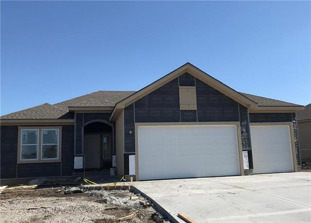 19421 W 201st Street, Spring Hill, KS 66083 (#2159188) :: House of Couse Group