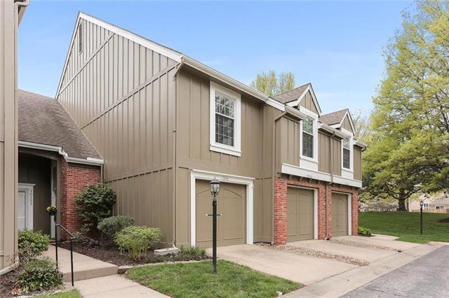 12148 Hayes Street, Overland Park, KS 66210 (#2159245) :: No Borders Real Estate