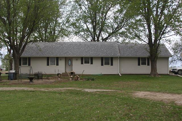 5450 W 231st Street, Bucyrus, KS 66013 (#2159409) :: Kedish Realty Group at Keller Williams Realty