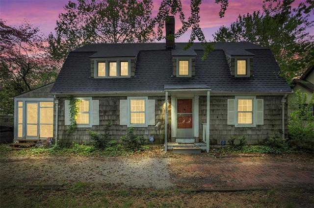 7635 Holmes Road, Kansas City, MO 64131 (#2159506) :: House of Couse Group