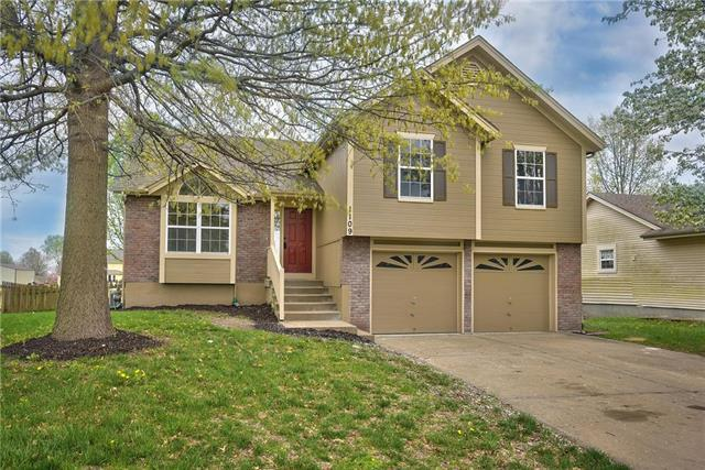 1109 S Huntington Drive, Greenwood, MO 64034 (#2159507) :: No Borders Real Estate