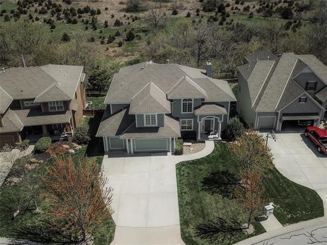10877 S Barth Road, Olathe, KS 66061 (#2159615) :: House of Couse Group