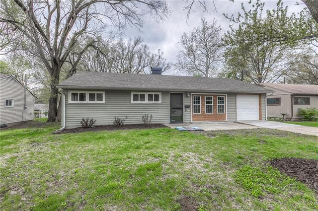 11232 Corrington Avenue, Kansas City, MO 64134 (#2159644) :: Edie Waters Network
