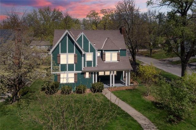 2 W 69th Street, Kansas City, MO 64113 (#2159821) :: No Borders Real Estate