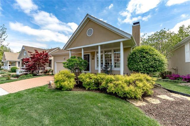 12441 Long Street, Overland Park, KS 66213 (#2161233) :: House of Couse Group