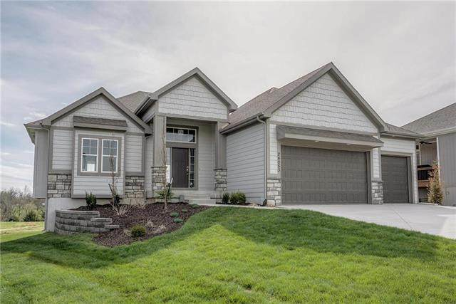 24053 W 98th Street, Lenexa, KS 66227 (#2161604) :: The Shannon Lyon Group - ReeceNichols