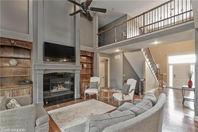 12718 S Laci Circle, Lee's Summit, MO 64086 (#2161728) :: House of Couse Group