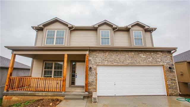 416 Sunflower Drive, Raymore, MO 64083 (#2162459) :: Team Real Estate