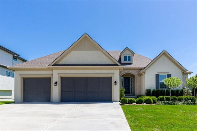 15713 Canterbury Street, Overland Park, KS 66224 (#2162557) :: House of Couse Group