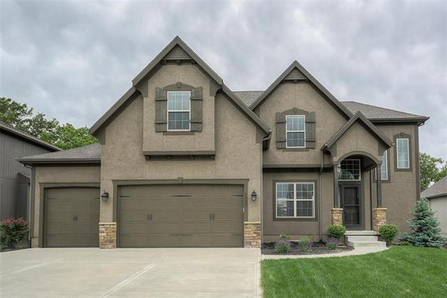1532 SW 41ST Street, Lee's Summit, MO 64082 (#2163031) :: House of Couse Group