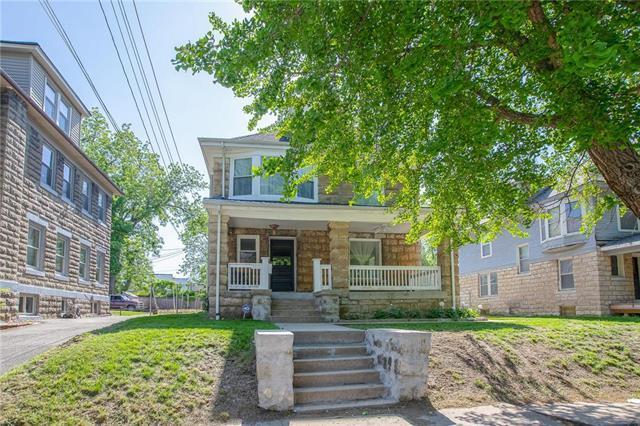 3111 Charlotte Street, Kansas City, MO 64109 (#2163281) :: House of Couse Group