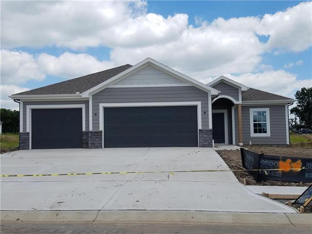 1611 NE Jaclyn Drive, Grain Valley, MO 64029 (#2163412) :: House of Couse Group
