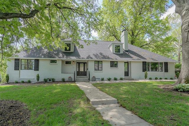 1909 W 67th Street, Mission Hills, KS 66208 (#2163429) :: House of Couse Group